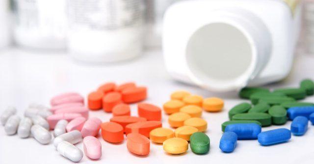 Прием препаратов, которые воздействуют на клетки кожи